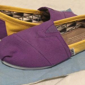 Purple & gold Toms NWT